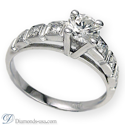 1.01 Carats, Round, Engagement ring with side stones settings