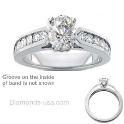 Sides 0.50 carats round diamonds, engagement ring