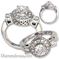 Anillo de compromiso de diseñadores con diamantes laterales