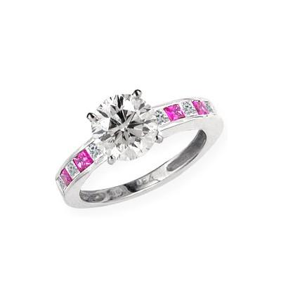 Anillo de compromiso de diamantes y zafiros rosados