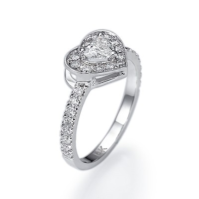 Heart diamond engagement ring 0.70 carats
