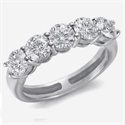 Picture of Three carats 5 diamond ring