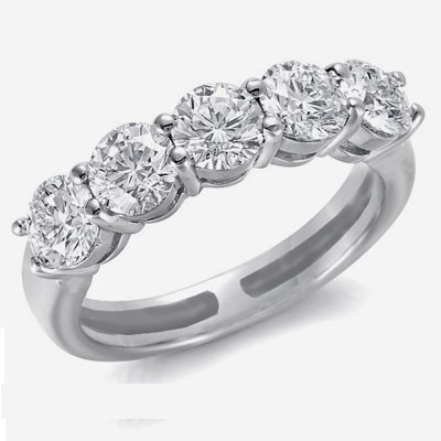 Three carats 5 diamond ring