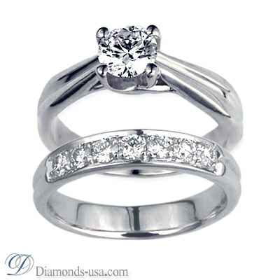 Criss Cross Bridal rings set, with side diamonds