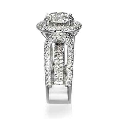 Anillo de cóctel de diamantes y corindón de 1,90 quilates