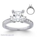 Foto Anillo de compromiso con diamantes Princesa laterales de 0,80 Ct. de