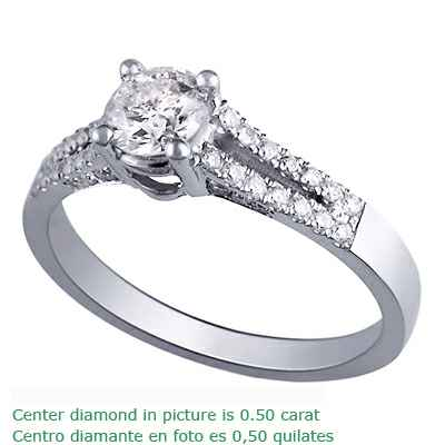 Anillo de compromiso de banda dividida para todos los diamantes