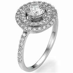 Picture of diamonds ring. Imagen del anillo de diamantes