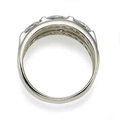 Designers three stones oval diamond ring
