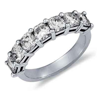 3.10 carat seven Cushions diamond ring