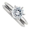 Foto  Clásico solitario compromiso y anillos de boda conjunto de