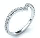 Foto Anillo de boda en forma de V a juego para anillo de compromiso de halo de pera de