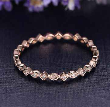Stackable eternity scalloped diamonds band