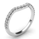 Foto Alianza de boda a juego para el delicado anillo de compromiso de halo oval de diamantes de