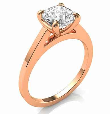 Delicado anillo de compromiso solitario para cojines redondos y diamantes de princesa