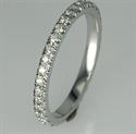 Foto Alianza de boda de 36 diamantes redondos, 0,40 quilates, 2,3 mm de ancho. de
