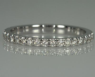 Alianza de boda de 36 diamantes redondos, 0,40 quilates, 2,3 mm de ancho.