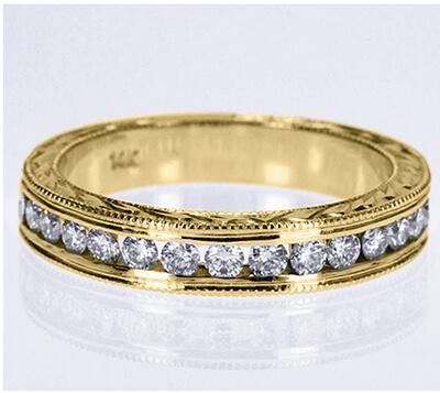 Conjunto de anillos de novia grabados a mano de estilo vintage.