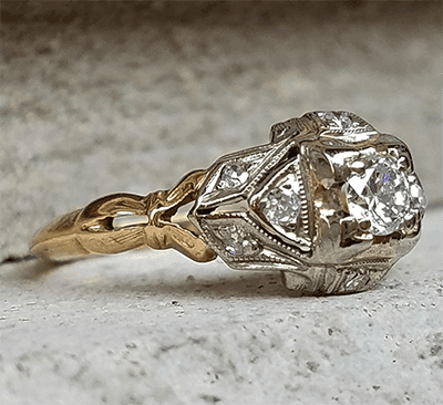 Genuine 1920's Art Deco Engagement ring set with natural diamond 0.41 total carat
