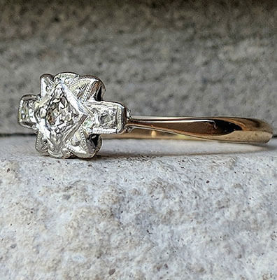 Dainty 1930's Art Deco Engagement ring set with natural center diamond 0.10 carat