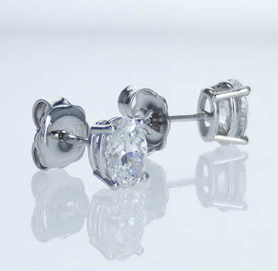 Oval  diamonds stud earrings