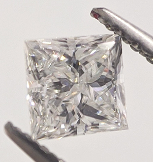 Picture of 0.41 Carats, Princess Diamond with Very Good Cut, D Color, VS1 Clarity and Certified By EGS/EGL