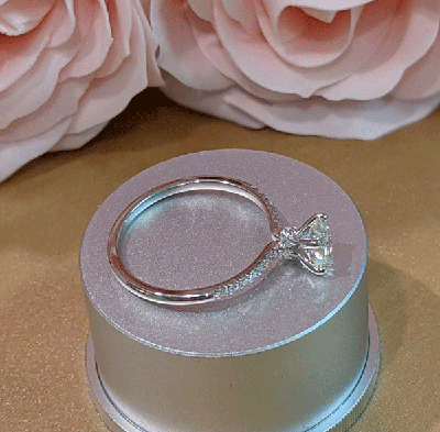 0.70 Round H VS1 with 0.20 cts sides, In 14k White Yellow or Rose gold.