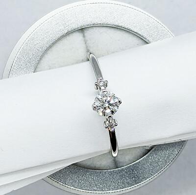 Ready to ship 0.35 carat diamonds F SI2