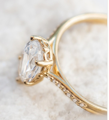 Ready to ship, 1.08 carat Pear diamond G VS2, engagement ring,  in 14k Yellow Gold