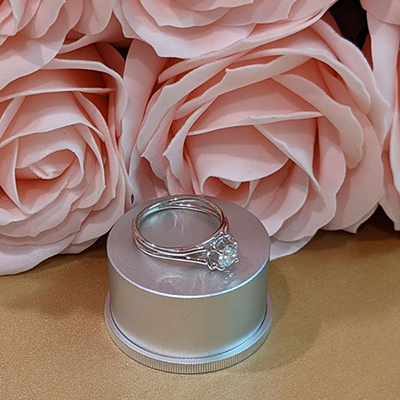 Ready to ship, 0.46 carat Round  D SI1 Solitaire engagement ring