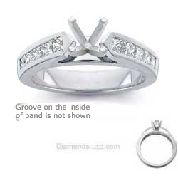 Engagement ring set with 0.8Cts diamonds