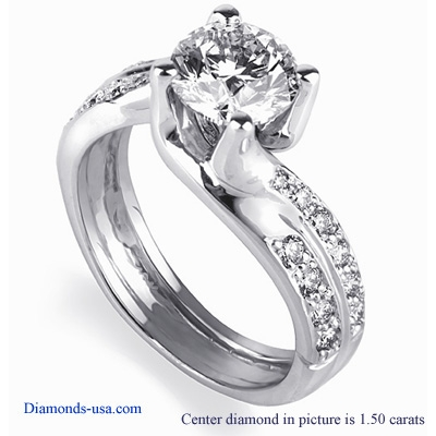 0.87 Carats, Princess, Engagement ring with side stones settings