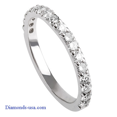 0.60 carat Round diamonds wedding ring.