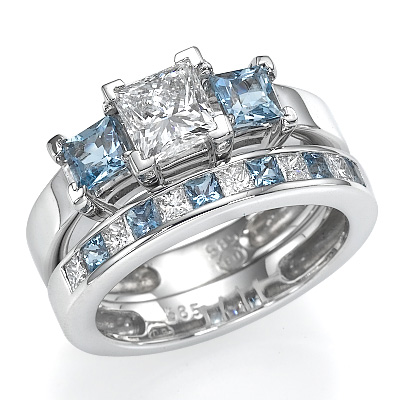 1.07 Carats, Round, Engagement and Wedding Diamond Rings Set