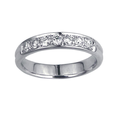 Grooved Wedding band, 3.7mm, set with 7 diamonds 0.26 carats